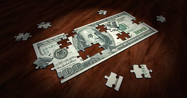 ネットビジネス系の情報商材で稼げるのか?有益性を見極める方法とは?