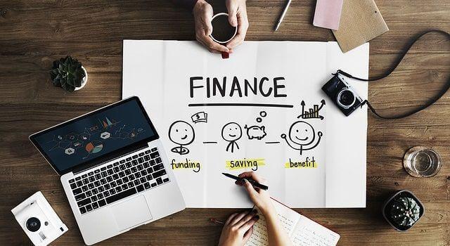 ブログでサラリーマン以上の収入を稼ぐ仕組みとおすすめの方法